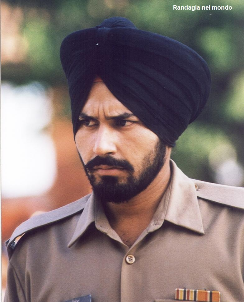 sikh soldier at Pakistani border