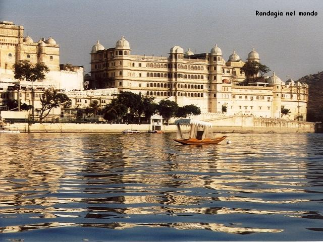 udaipur, view from lake