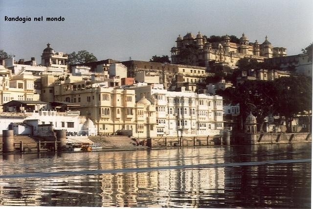 udaipur, view from the pichola lake