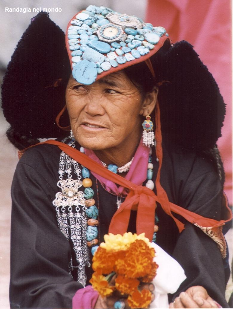 woman in nubra valley 2
